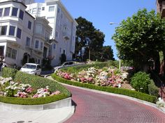 Lombard Street, San Francisco, photo by steve waters