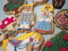 キュートな世界が広がる「ステカ&モジョル」のアイシングクッキー。記念日やウェディング、お祝いなどのシーンに合わせてクッキーをオーダーできます。絵本の中から飛び出してきたようなキャラクター達は、並べてずっと眺めていたくなる愛らしさ。