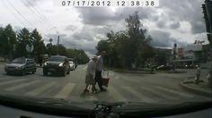 Доброта российских водителей и пешеходов покорила иностранцев