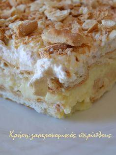 gr 2017 06 syntagi-millefeuille-me-cream-crackers-kai-anthos-aravositou. Greek Sweets, Greek Desserts, Fancy Desserts, Greek Recipes, Desert Recipes, Cookbook Recipes, Sweets Recipes, Cream Crackers, Greek Pastries