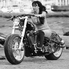 Sportster Cafe Racer, Chicks On Bikes, Bagger Motorcycle, Biker Gear, Rough Riders, Hot Bikes, Lady Biker, Biker Chick, Harley Davidson Bikes