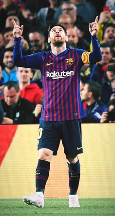 Lionel Messi of Barcelona warms up prior to the UEFA Champions League round of 16 first leg match between Arsenal and Barcelona on February 2016 in London, United Kingdom. Fc Barcelona, Lionel Messi Barcelona, Messi And Ronaldo, Messi 10, Messi Argentina, Lionel Messi Wallpapers, Argentina National Team, Leonel Messi, Messi Soccer