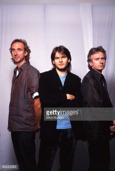 News Photo : Photo of Ray WILSON and GENESIS and Mike...