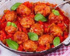Boulettes de bœuf allégées à la tomate et au parmesan : http://www.fourchette-et-bikini.fr/recettes/recettes-minceur/boulettes-de-boeuf-allegees-la-tomate-et-au-parmesan.html