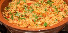 Kritharaki - Griekse rode rijst (eigenlijk pasta) als bijgerecht. Ook als hoofdgerecht te maken met b.v. kip of rundvlees.