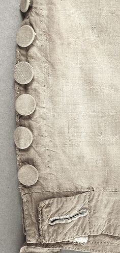 leg detail of cotton (sailor's?) breeches ... ca. 1784-1800