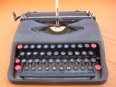 NOTES: 1940s Typewriter