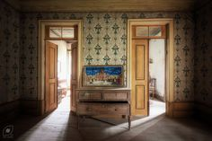 The little Vatican | O pequeno Vaticano | Abandoned farm hou… | Flickr - Photo Sharing!