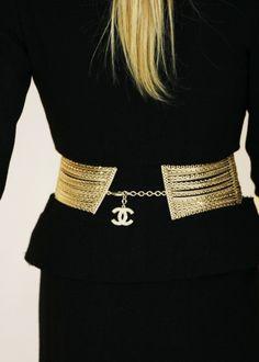 Black & Gold Essence √