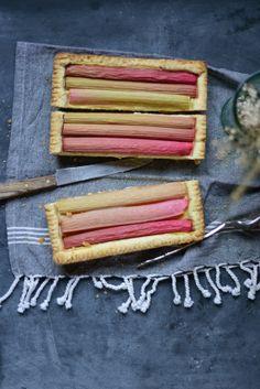 Madame Gateau: Tarte à la rhubarbe et à la crème pâtissière