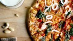 Prepara una pizza mediterránea con masa integral