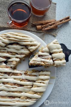 Pastel de canela estilo cinnabon o roles de canela con glaseado de queso crema www.pizcadesabor.com