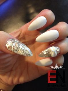 Weis silber Stiletto Nails, Beauty, Silver, Beleza, Cosmetology, Edgy Nails