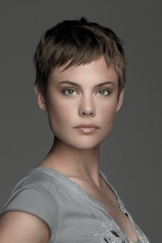 Pixie Hairstyles For Fine Hair Stylish Short Hair, Short Grey Hair, Very Short Hair, Short Hair With Layers, Short Hair Cuts For Women, Short Hair Styles, Haircut For Older Women, Haircuts For Fine Hair, Short Pixie Haircuts