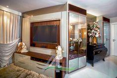 Decoração clássica em clima de natal, laca bege com imbuia e vidros reflecta dourado projeto e execução Studio A4 Marcenaria & Design