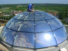 Glass dome - Макромер - гнутое стекло, производство моллированного стекла, декоративного стекла Dome Structure, Dome Greenhouse, Underground Homes, Dome House, Canopy Design, Building Systems, Geodesic Dome, Rooftop Terrace, Glass Domes