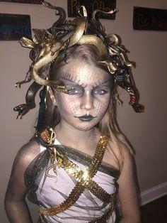 Medusa Kostüm selber machen | Kostüm Idee zu Karneval, Halloween & Fasching
