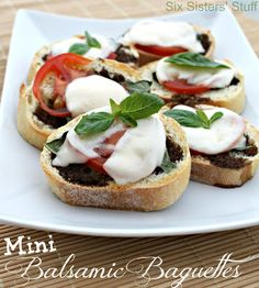 A Delicious Side Dish! Mini Balsamic Baguettes from Sixsistersstuff.com #sidedish #recipe