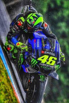 Nissan Gtr Wallpapers, Moto Wallpapers, Motorcross Bike, Motorcycle Bike, Valentino Rossi Logo, Gp Moto, Bike Pic, Yamaha R1, Vr46