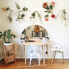 "11.6k Likes, 104 Comments - Kristin Johns (@kristinlauria) on Instagram: ""i'm happy with how my little office turned out i feel inspired when i'm in here which i think is…"""