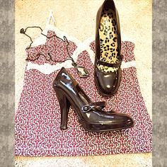 """❤️JUST IN❤️Colin Stuart brown Mary Jane heels Colin Stuart Mary Jane heels. Chocolate brown patent leather, nearly zero sign of wear. Extremely small scratch on inner right shoe I attempted to show in last pic (not noticeable). Size 8.5B. 4"""" heel with 1/2"""" platform. Worn once for less than an hour & in excellent condition! ❤️Bundle to save! Also available in black.❤️ NO trades. ❤️Please use offer button.❤️ Colin Stuart Shoes Heels"""