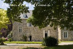 An elegant manor house with pretty bedrooms, pool and large grounds. Nathalie looks after you with ease and sets you up with big breakfasts Bed And Breakfast, Pretty Bedroom, Villeneuve, Brittany, Mansions, House Styles, The Mansion, House Beautiful, Places