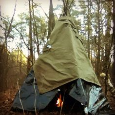 Indian tipi - good shelter for life in the wood. Use pole to make a frame and either tent to cover it #tipi #shelter #Indians #nativeamericans #bushcraft #survival #outdoor #camping #hiking #fires #wildlife #выживание #бушкрафт #типи #укрытие #походы #лес by maks.survalov