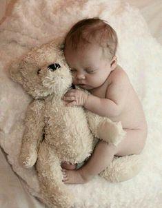 Photo bb, photo kids, newborn baby pictures, baby and mom Foto Newborn, Newborn Baby Photos, Baby Poses, Newborn Poses, Newborn Shoot, Newborn Pictures, Newborns, Newborn Twins, Newborn Baby Ideas