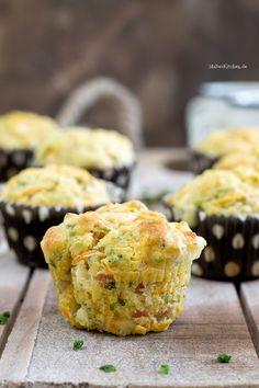 Herzhafte Muffins mit Schinken und Käse zum Frühstück