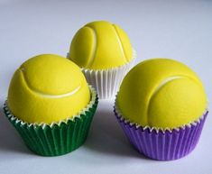 Anyone for tennis? (cupcakes)