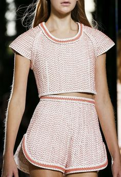 Balenciaga Spring 2014 RTW - Details - Fashion Week - Runway, Fashion Shows and Collections - Vogue //structure//shape Spring Fashion Trends, Fashion Week, Runway Fashion, Fashion Show, Review Fashion, Vogue Fashion, Fashion Rings, Paris Fashion, Sport Fashion