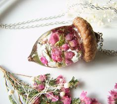 Real Acorn Necklace Resin Jewelry Acorn Jewelry Real Flower Necklace Woodland Jewelry Resin Necklace Heather Necklace Gift for Her Lovely real pink dried heather flowers are preserved safe forever in… Acorn Necklace, Resin Necklace, Flower Necklace, Resin Jewelry, Diy Jewelry, Jewelry Making, Diamond Earrings, Fashion Jewelry, Emerald Diamond