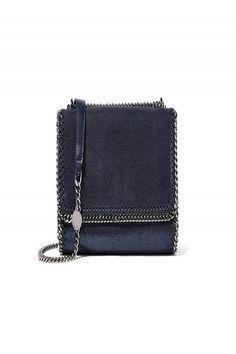 #Blunavy: ecco il colore oggetto del desiderio di stagione – TheAuburnGirl #bag http://www.theauburngirl.com/blu-navy-trend/ #SS17 @stellamccartney