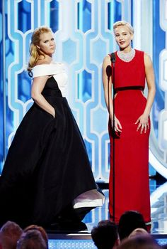 Jennifer Lawrence and Amy Schumer presenting an award