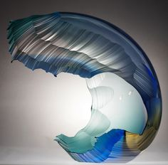 Vagues délicates par Graham Muir - Journal du Design |Delicate Waves Art-Glass Sculpture by Graham Muir
