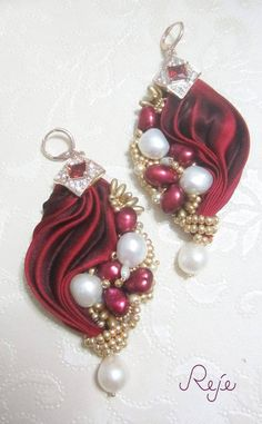 Shibori silk earrings, with freshwater pearls, Zirconia crystals and silk www.rejesoutache.com https://www.facebook.com/rejegioielliinsoutache