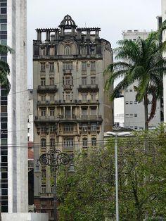 First building in São Paulo. Edifício Sampaio Moreira, de 1924. Localizado na Líbero Badaró.
