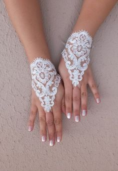 Wedding Gloves // gloves Fingerless Gloves white by WEDDINGGloves, $25.00