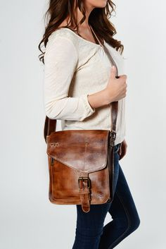 The VENICE BEACH cross body is made with full-grain leather Leather Crossbody  Bag 3d0c20f86c3e0