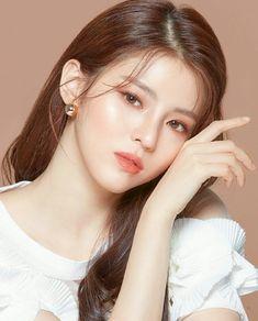 Korean Beauty Girls, Asian Beauty, Beauty Makeup, Hair Makeup, Korean Makeup Look, Beauty Shoot, Grunge Hair, Beautiful Asian Girls, Ulzzang Girl
