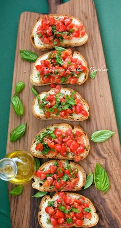 Bruschetta with Tomatoes & Basil (Bruschetta al Pomodoro)