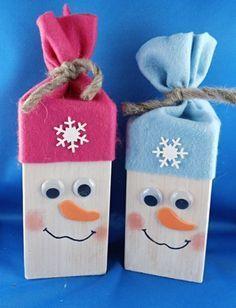 Basteltipp Winter: Kantholz-Schneemann holiday crafts for kids Wood Snowman, Snowman Crafts, Holiday Crafts For Kids, Kids Christmas, Winter Kids, Winter Holidays, Wood Crafts, Diy And Crafts, Decoration Table