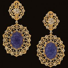 Gianmaria new pendant earrings in yellow gold with diamonds and jade by Buccellati