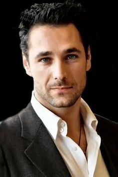 Afternoon eye candy: Raoul Bova (26 photos)