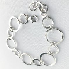 Hammered Silver Circles Bracelet - Sterling Silver Handmade Chain Bracelet - Silver Jewelry - Everyday Silver Bracelet - Jewellery I Love, Gold And Silver Bracelets, Silver Jewelry Box, Silver Rings With Stones, Silver Necklaces, Unique Bracelets, Silver Pendants, Ankle Bracelets, Silver Earrings Online, Silver Hoop Earrings