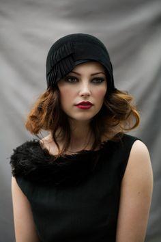 Cloche Hat with Pleats par MaggieMowbrayHats sur Etsy, £125.00