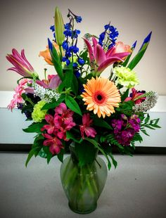 Wow your sweetheart with a custom arrangement!