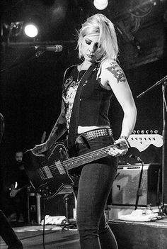 Tim Armstrong, Brody Dalle, Female Guitarist, Female Singers, Van Halen, The Distillers, Rock And Roll Girl, Women Of Rock, Guitar Girl