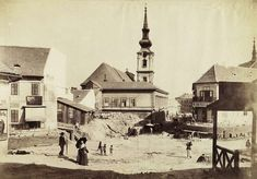 Budapest, 1894 Szarvas Square with St. Catherine of Alexandria Church (in Tabán district) Catherine Of Alexandria, Budapest, Beautiful Buildings, Old Pictures, Historical Photos, Hungary, Tao, The Past, Black And White