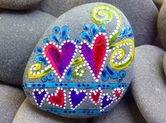 Friends / painted rock / Sandi Pike Foundas / por LoveFromCapeCod